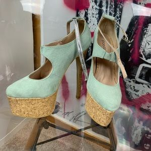 Platform heels (mint color)